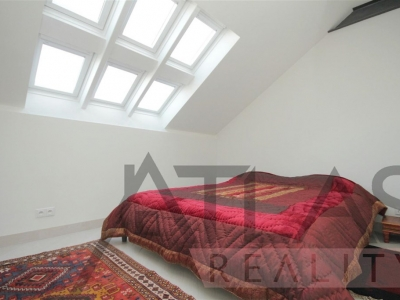 Luxury 1-bedroom duplex apartment for rent, 58m2. with terrace 29m2., Prague 5, only 5 mins. from Andel