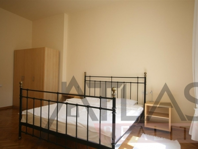 Rent of 2-bedroom furnished 105m2 apartment Prague 2 - Vinohrady, Polská street