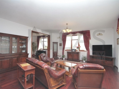 For Rent: Large Representative 8-bedroom 700 sq.m Villa Prague 6 - Nebusice