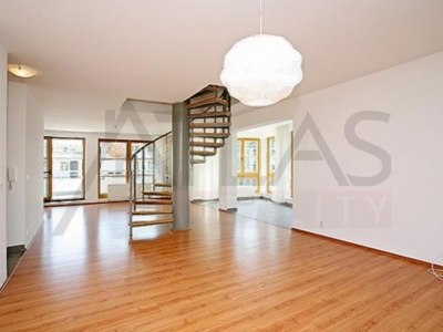 Nice duplex apartment (3BD) with terrace, 165 sqm., Prague 5 - Randova, metro line B Andel