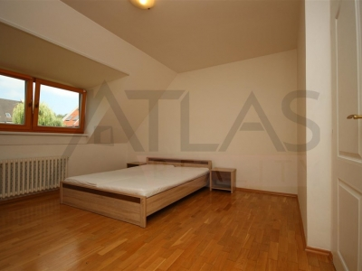 For Rent: Terraced, 4-bedroom family  house for rent, Praha 6 - Řepy