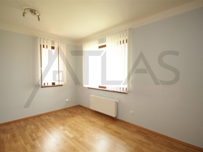For Rent: 4 BDR family house 5+1, 200 sqm, Horoměřice