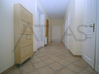 Rent of two bedroom spacious apartment (110 sq. m), Prague 1 - Josefov