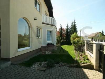 5-bedroom family home for rent with  indoor swimming pool, Průhonice