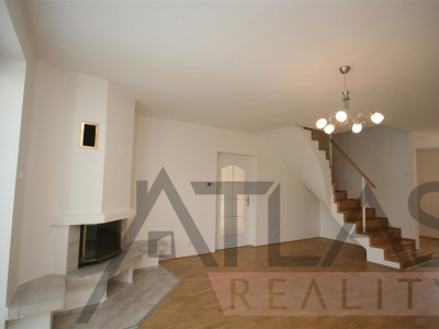 For Rent: 3-bedroom, 200m2 home with outdoor swimming pool, Praha 5, Řeporyje