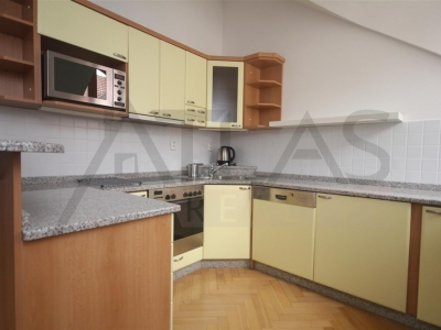 Rent of furnished 2 BDR apartment, 3+kk, 75 smq, Vlašská str., Praha 1 - Mala Strana