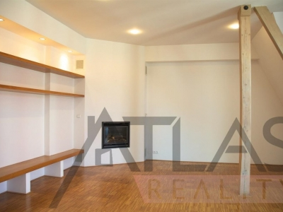 For Rent:  4-bedroom Luxury Apartment Prague 1 - Josefov, Parizska street