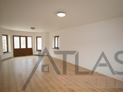 For Rent: 4-bedroom home Prague 6 - Nebusice