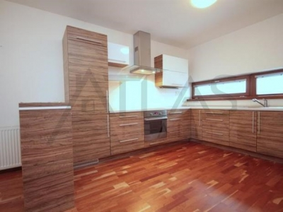 For Rent: Large family house (3 BD/3 bthrms), Prague 5 - Jinonice, near Deutsche Schule Prag