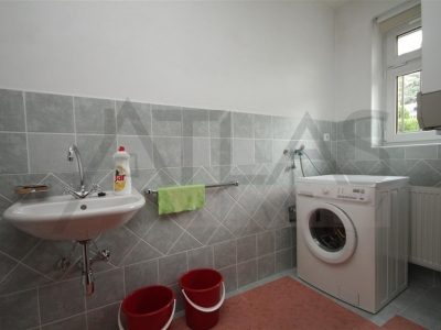 For Rent: 3-bedroom family house with swimming pool Prague 4 - Modrany