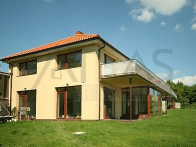 Rent of 5 BD family house 400 sqm Dolni Jircany