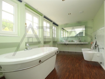 For Rent: Executive luxury villa, 500 m2 - 5 bedrooms Prague 6 - Sarka valley