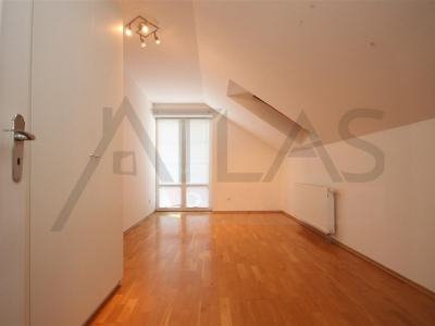 For Rent: 6-bedroom House 250 sqm Prague 6 - Nebusice