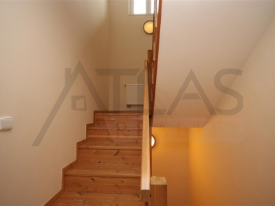 For Rent: 5-BD villa 280 sqm Prague 6 Nebusice