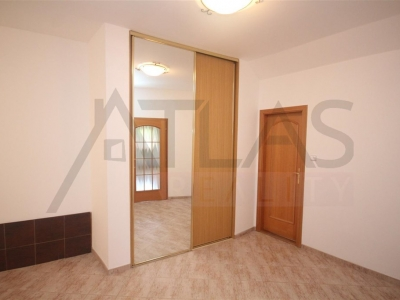 For Rent: Spacious family house 5-6 BDR, 550 sqm, Průhonice