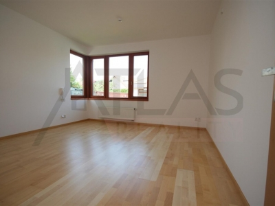 For Rent: 5 BDR luxury new house 6+1, 370 sqm with outdoor swimming pool, Praha 4 - Ujezd