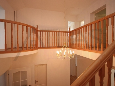 For Rent: 4-bedroom, 180 sqm house Prague 6 - Nebusice