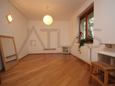 For Rent: 4-bedroom house, 200 m2, Praha - Zadni Kopanina