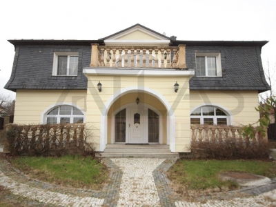 Rent of 5 bedrooms family house Praha 6 - Nebusice