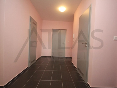 Rent of 3BRD unfurnished/furnished apartment ( 4+kk ), 92 sqm, Pod Stolovou Horou street, Praha 5 - Jinonice