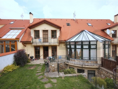 For Rent: 6 Bedroom Family House in Prague 6 - Stresovice