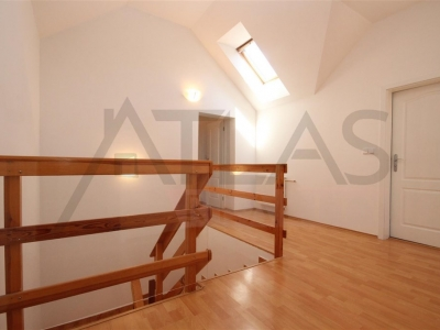 Rent of 4BD family house Pruhonice