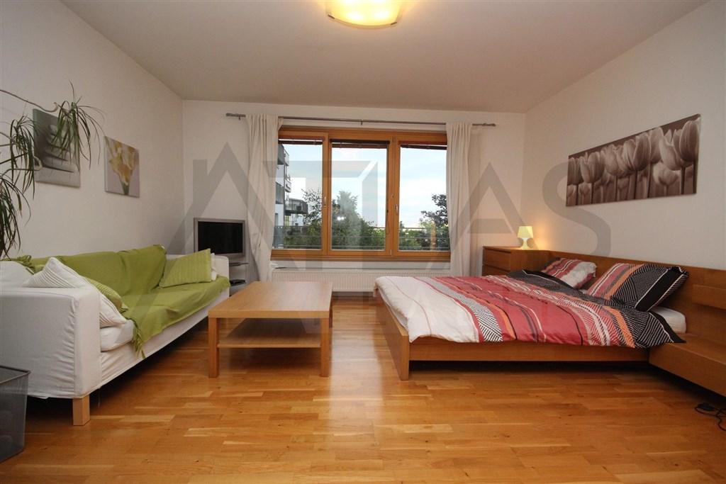 Pronájem bytu 1+kk Praha 6 - Červený vrch, Tibetská