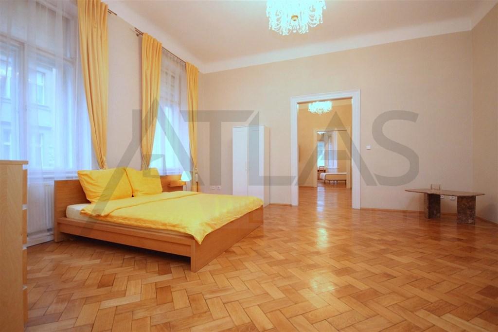 Pronájem zařízeného bytu 4+1, 160 m2 Praha 1 Staré město, Veleslavínova
